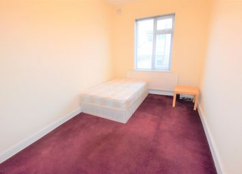 Thumbnail 3 bed flat to rent in Tooting, London