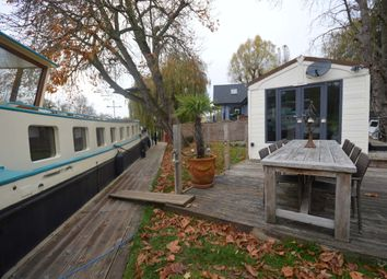 Thumbnail 1 bed property for sale in Lammas Park, Staines-Upon-Thames