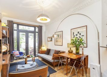 Thumbnail 1 bed flat for sale in Clissold Crescent, London