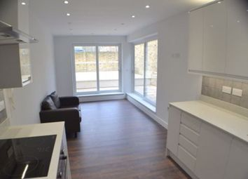 Thumbnail 2 bed flat to rent in Trafalgar Street, London