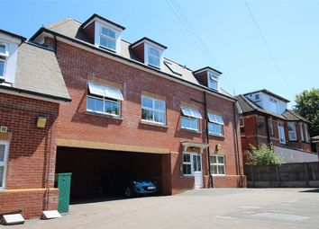 2 bed flat to rent in Rushton Crescent, Bournemouth BH3