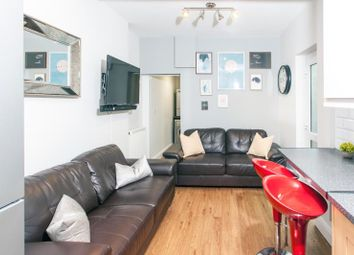 Thumbnail 6 bed shared accommodation to rent in Inverness Place, Cardiff