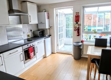 Thumbnail 6 bed shared accommodation to rent in Flanders Crescent, London