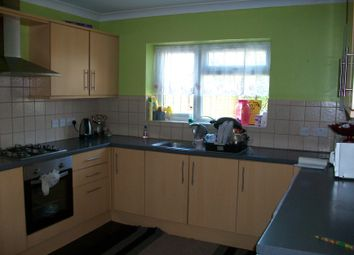3 bed detached house to rent in Hanworth Road, Hounslow TW4