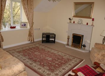 2 bed flat for sale in Summers Road, Farncombe GU7