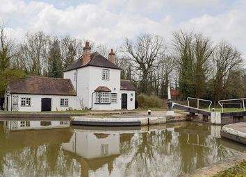 Thumbnail 2 bed cottage to rent in Old Budbrooke Road, Warwick
