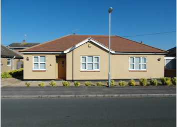 Thumbnail 3 bed detached bungalow to rent in Maurice Road, Canvey Island