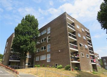 Thumbnail 2 bed flat to rent in Swanborough Drive, Brighton