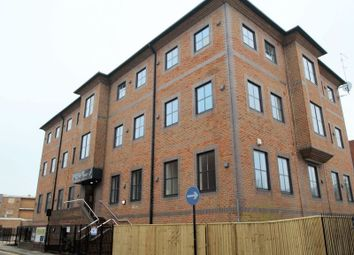 Thumbnail 1 bed flat to rent in Mendy Street, High Wycombe