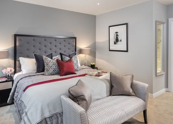 Thumbnail 2 bedroom flat for sale in Kew Bridge Road, Brentford, West London