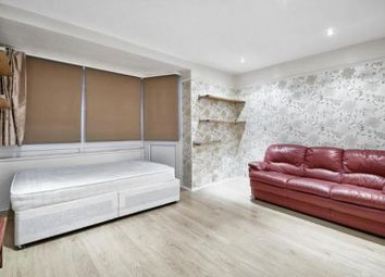 Thumbnail 3 bedroom shared accommodation to rent in Galbraith Street, London