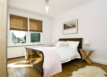 Thumbnail 1 bed flat to rent in Englewood Road, London