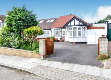 Thumbnail 2 bedroom bungalow for sale in Beresford Avenue, Whetstone, London, .