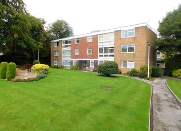 Thumbnail 3 bed flat for sale in Petersgarth, Moorhead, Shipley