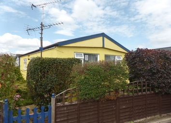 Thumbnail 2 bed mobile/park home for sale in Midway Avenue, Penton Park, Chertsey