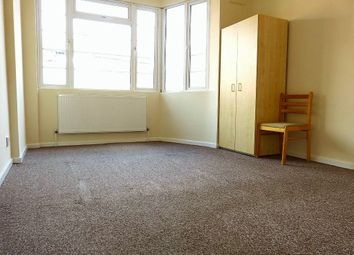 Thumbnail 1 bed flat to rent in Crest Court, The Crest, London