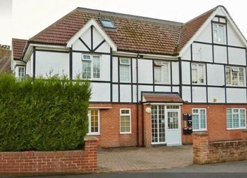 129 West Way, Hounslow, Middlesex TW5. 2 bed flat