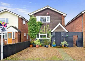 Thumbnail 3 bed detached house for sale in Kiln Field, Hook End, Brentwood, Essex