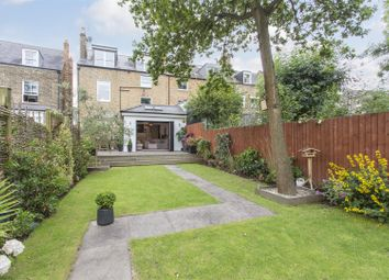 Thumbnail 4 bed flat for sale in Queen Elizabeths Walk, London