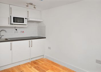 Thumbnail 1 bed flat to rent in Beehive Place, London