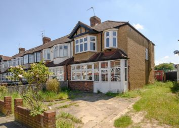 Thumbnail 3 bed property for sale in Crossway, Raynes Park, London