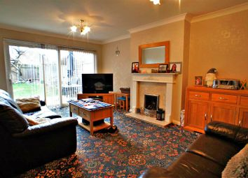 Thumbnail 3 bed property for sale in Rochford Avenue, Waltham Abbey