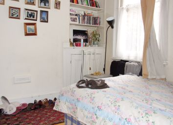 Thumbnail 5 bed flat to rent in Mossford Street, Mile End