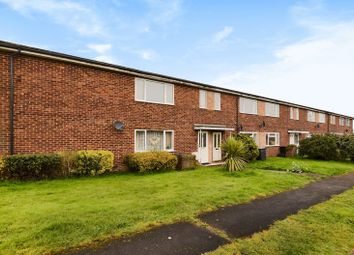 Thumbnail 2 bed flat for sale in Wyndham Road, Newbury