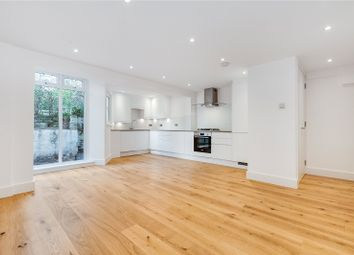 Thumbnail Flat to rent in Earls Court Road, Kensington, London