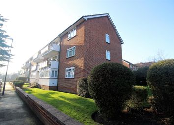 Thumbnail 3 bedroom flat to rent in Calthorpe Gardens, Edgware