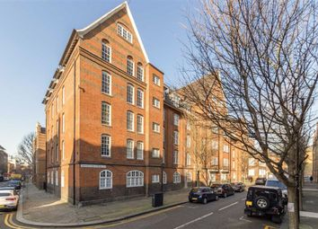 1 bed flat for sale in Montclare Street, London E2