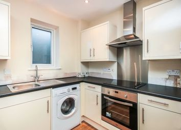 Thumbnail 1 bed flat to rent in Crossbrook Street, Cheshunt, Waltham Cross