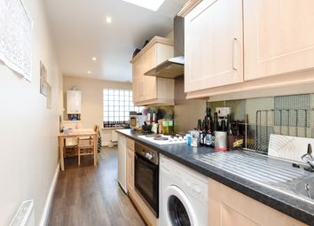Thumbnail 7 bed flat to rent in Junction Road, Holloway Archway, London