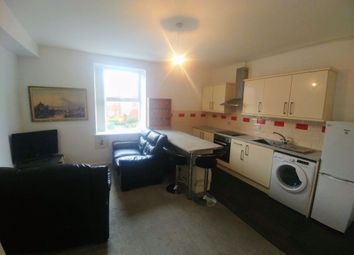 2 bed flat to rent in St. Michaels Road, Leeds, West Yorkshire LS6