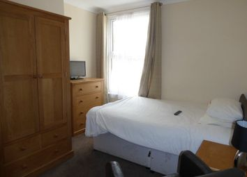 Thumbnail Room to rent in North Parade, York, North Yorkshire