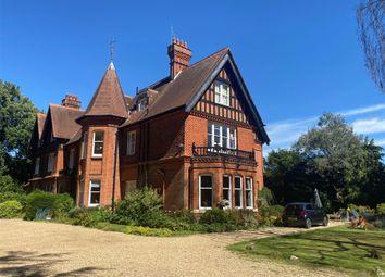 3 bed flat for sale in Mertonford, Pages Croft, Wokingham, Berkshire RG40