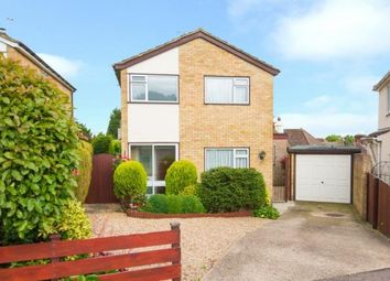 Thumbnail 3 bedroom detached house for sale in Bacons Drive, Cuffley, Potters Bar, Hertfordshire
