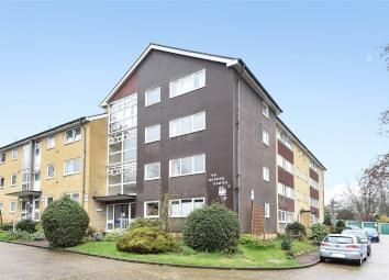 Thumbnail 1 bed flat for sale in Queens Lawns, Reading