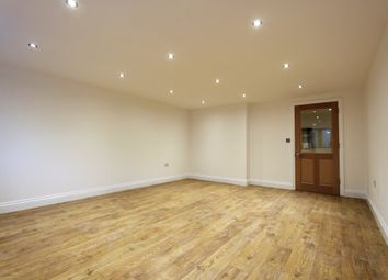 Thumbnail 2 bed maisonette to rent in Holloway Road, London