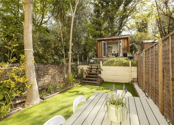 Norwood Road, London SE24. 2 bed flat for sale