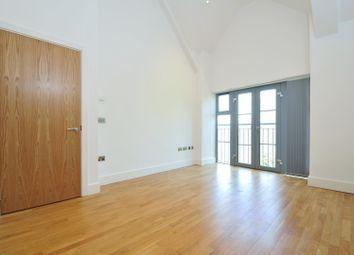 Thumbnail 2 bed flat to rent in Oak End Way, Gerrards Cross, Bucks.
