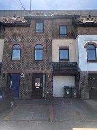 3 bed town house to rent in Northern Anchorage, Hazel Road, Southampton SO19