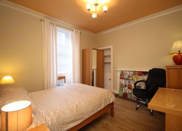 2 bed flat to rent in West Crosscauseway, Central, Edinburgh EH8
