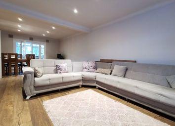 3 bed property to rent in Manser Road, Rainham RM13