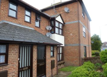 Thumbnail 2 bed flat to rent in Woodlands Road, Gillingham