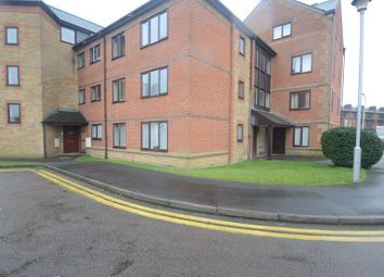 Thumbnail 2 bedroom flat to rent in Regent Court, Reading