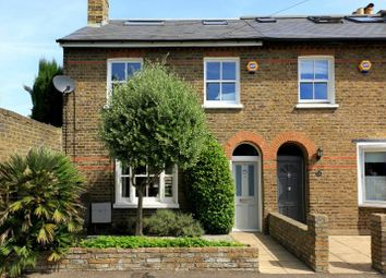 4 bed property for sale in Alexandra Road, Kew TW9