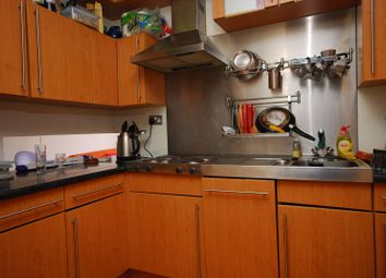 Thumbnail 3 bed flat to rent in City Road, City