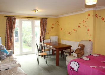 Thumbnail 4 bed terraced house to rent in Wenlock Gardens, Hendon
