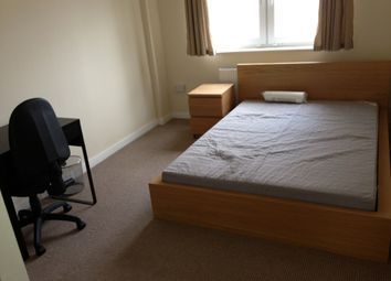 Thumbnail 5 bed flat to rent in Cleveland Way, London